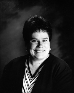 Distinguished Alumni: Bonnie Hagelberger, Graduated 1969, Inducted 1997